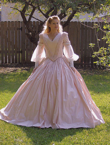 dee in north south civil war dress